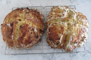 White, fruity soda bread and brown bread.