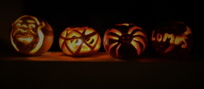 Small halloween carved pumkins